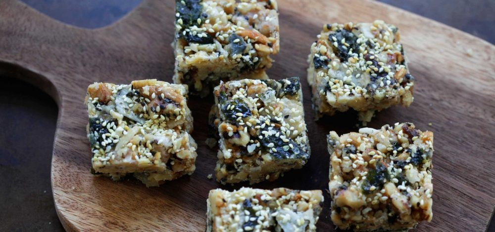 Walnut, Almond, and Seaweed Crisps Snack Bar