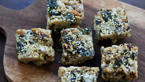 Annie Chun's Walnut, Almond, and Seaweed Crisps Snack Bar